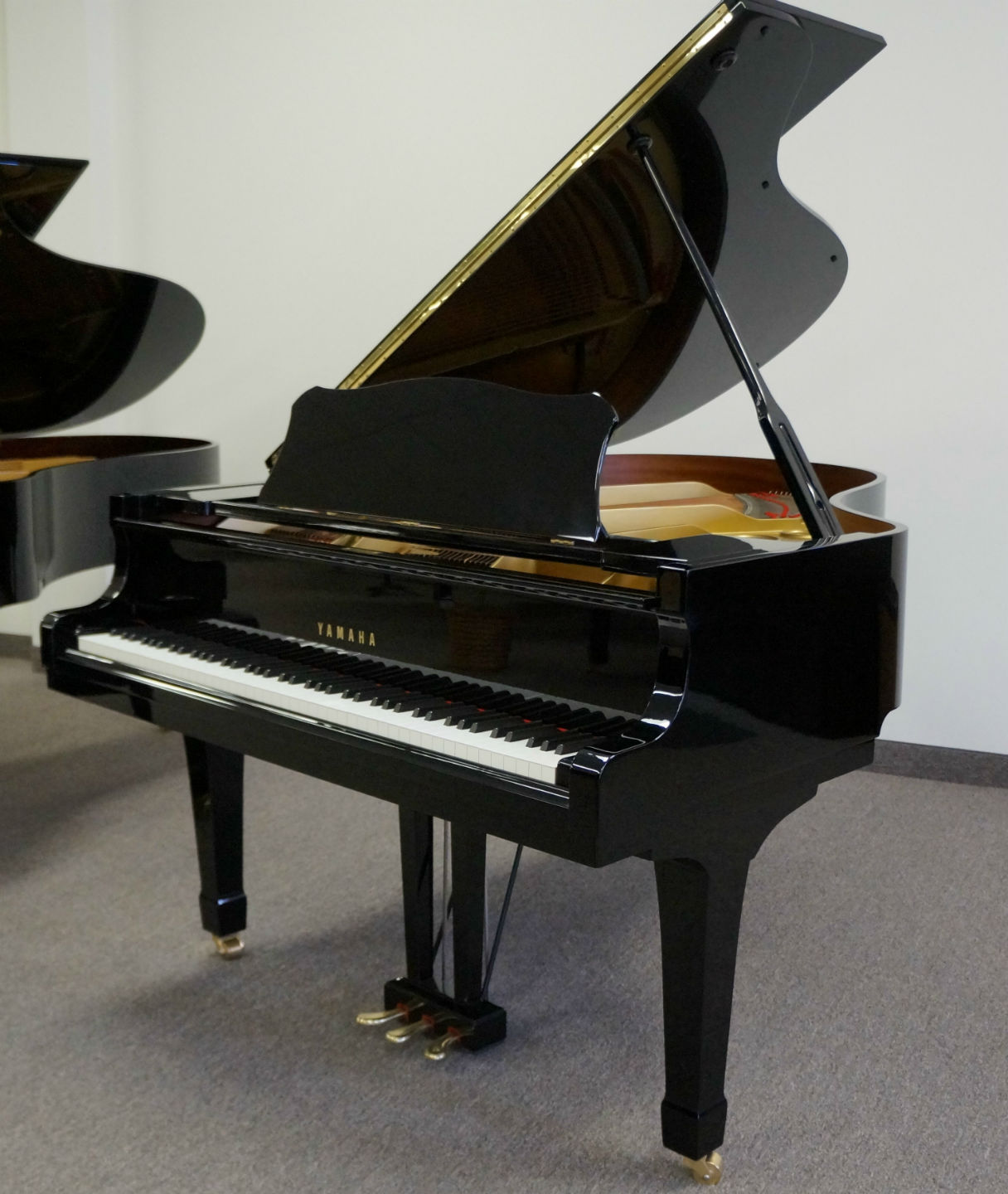 Yamaha g3 grand piano for Price of a yamaha baby grand piano