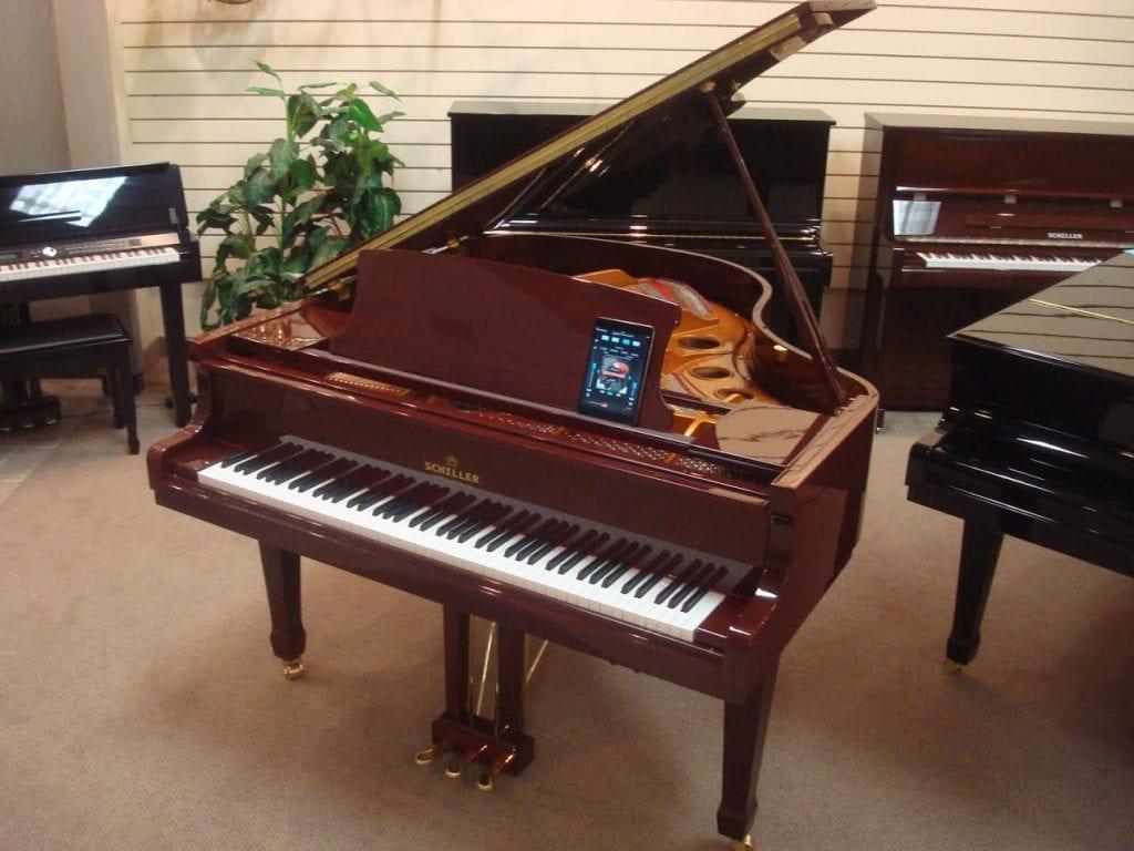 schiller-piano1