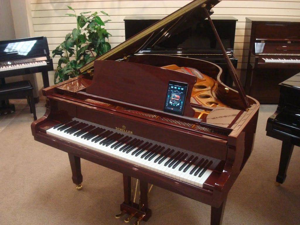 schiller-piano2