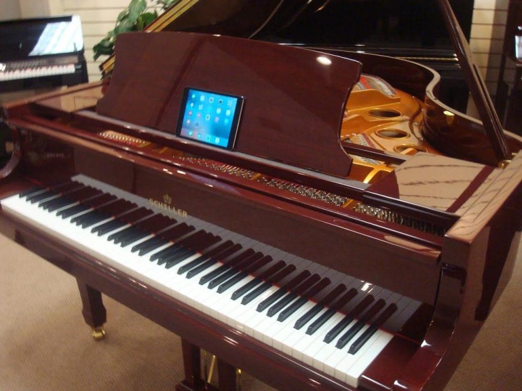 schiller-piano8