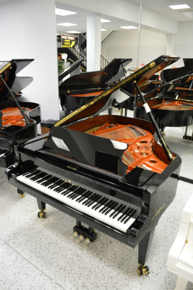 Schimmel 195 GRAND PIANO