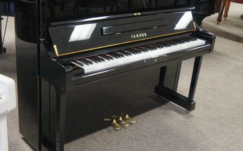 Yamaha U1 5853603