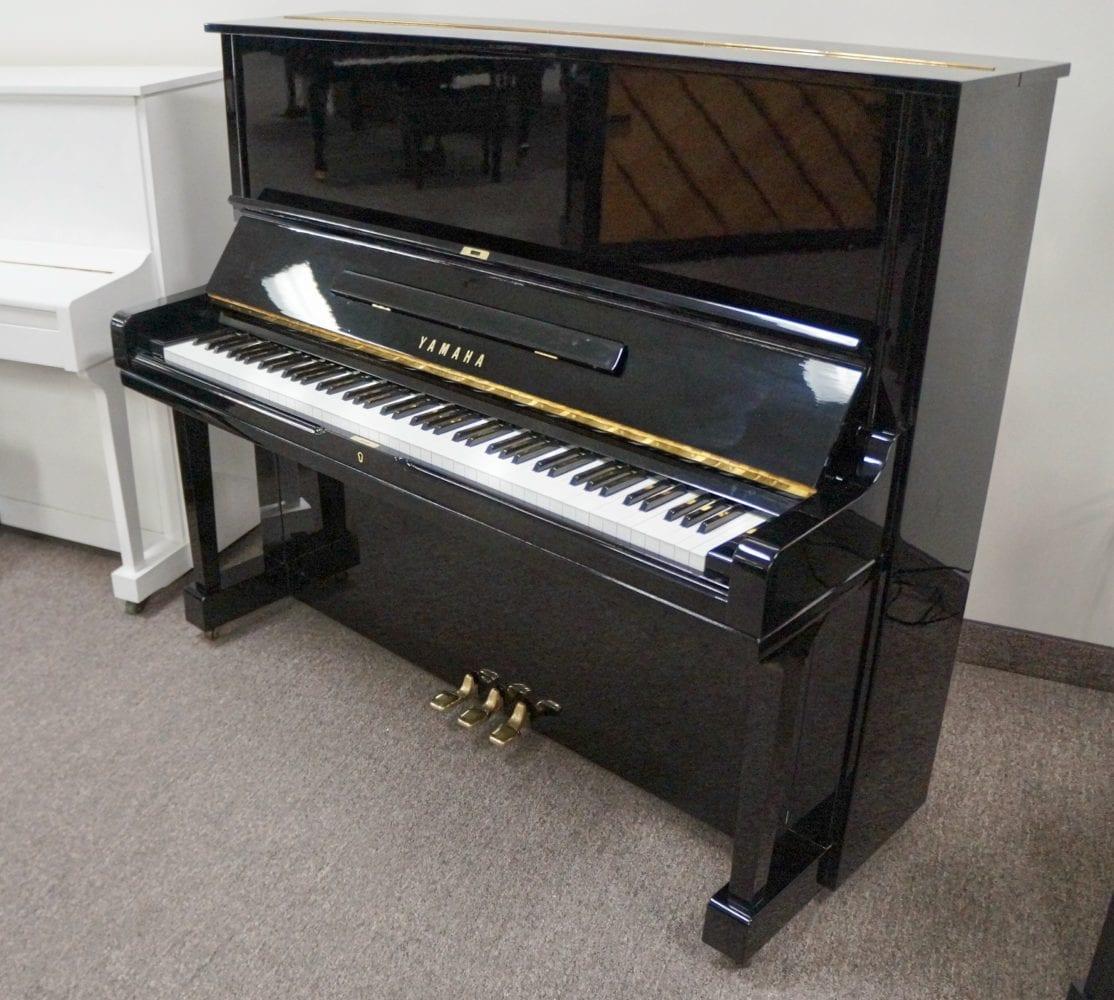 Yamaha U3 1924418 side