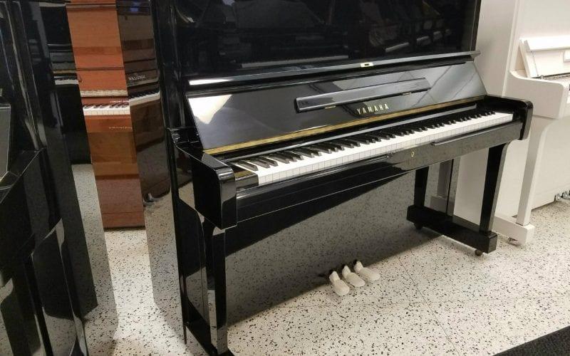 Yamaha U1 2909808