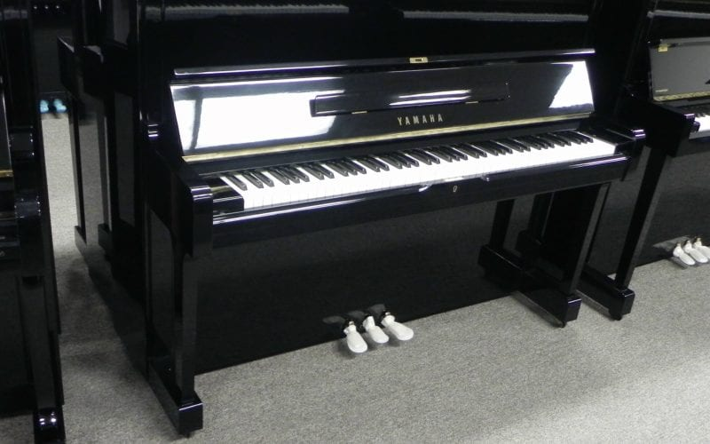 Yamaha U1 2401770 left