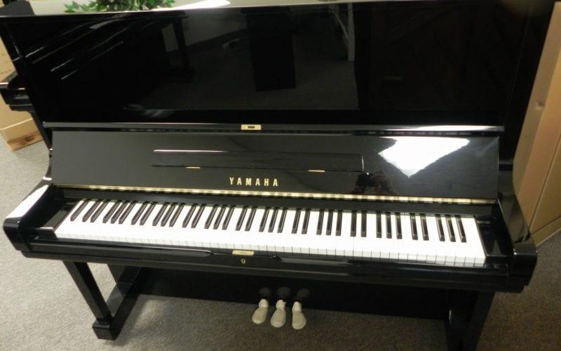 Yamaha U3 2538222