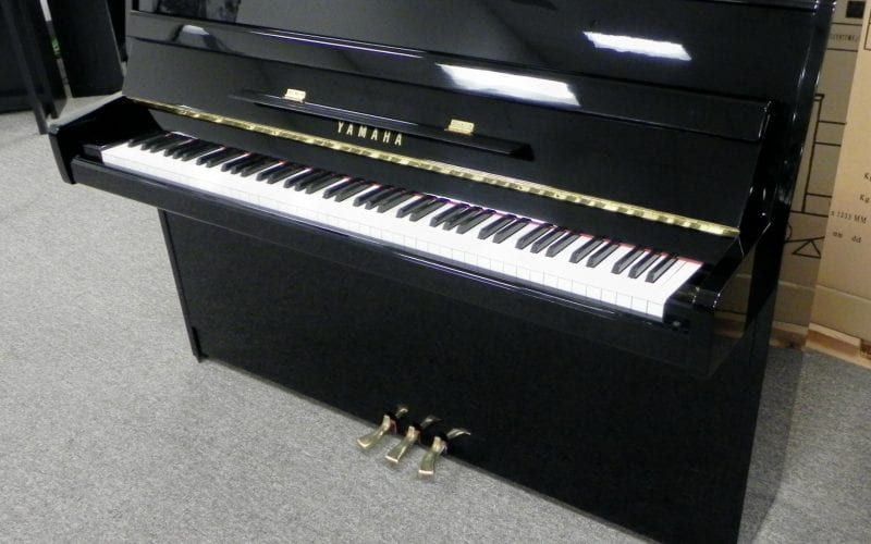 Yamaha M1E