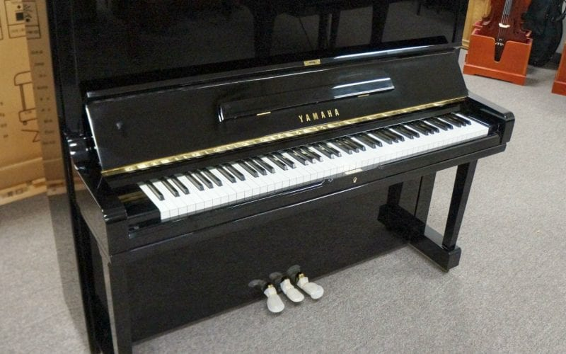 Yamaha U3 2886643 left